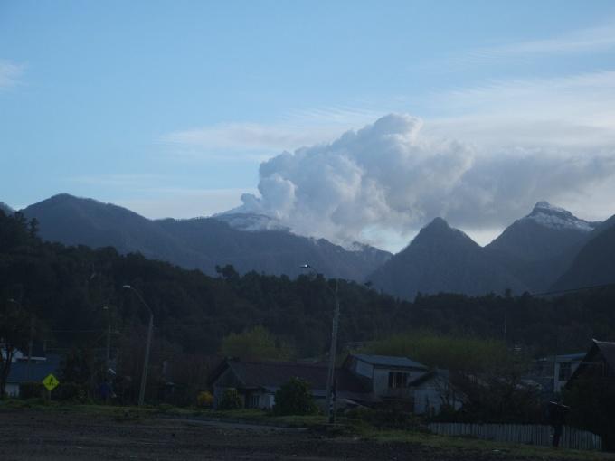 32) Erupting volcano 2